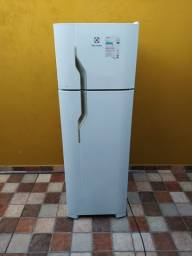 Geladeira Electrolux Cycle Defrost 260 Litros