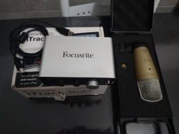 Interface e microfone condensador