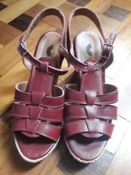 Sandália (tamanho 35)