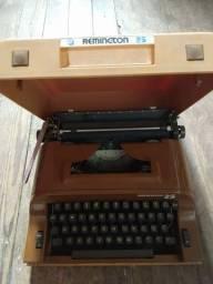 Máquina de escrever Remington 25