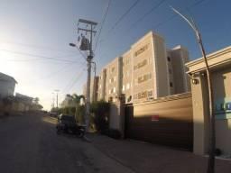 Apartamento com 2 dormitórios para alugar, 65 m² por R$ 759,00/mês - Maraponga - Fortaleza
