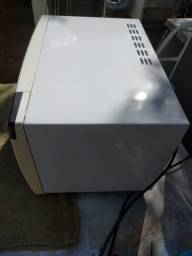 Microondas Eletrolux, funcionando perfeitamente 249.00