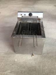 Fritadeira elétrica em perfeito funcionamento