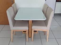 Conjunto de mesa com 4 cadeiras, tampo de vidro, cantos arredondados, 1,20m (novíssimo)