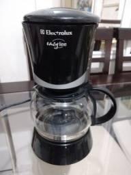 Título do anúncio: Cafeteira Seminova Electrolux Easy Line R$150!!! Retirada na Asa Norte
