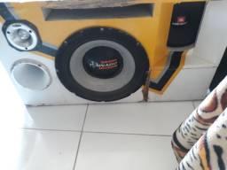 Uma caixa de som pra alto