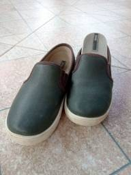Título do anúncio: Sapatos infantis tamanhos 28 e30 os dois 40