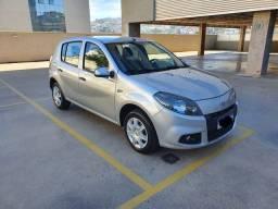 Vendo Renault sandero EXP 16HP