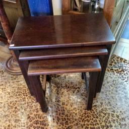 "Conjunto de 3 mesas auxiliares tipo ""Ninho"" usadas"