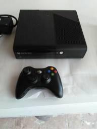Vendo Microsoft Xbox 360 Slim 4 GB, NOVO nunca usado!!!