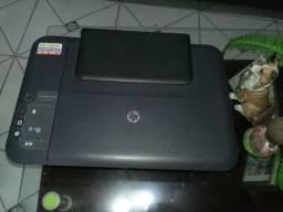 Vendo uma impressora preta