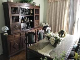 Mesa e cristaleira de sucupira