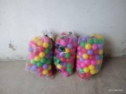 150 Bolinhas de plástico