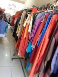 Roupas de bazar
