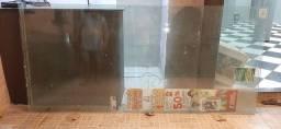 Vidro comum e  vidro blindex
