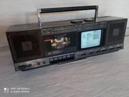 Rádio antigo com tv
