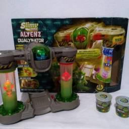 Brinquedo ?Alienz Invasion: Dualynator? ? DTC