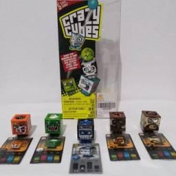 Kit contendo 5 colecionáveis da linha ?Crazy Cubes? ? Sunny