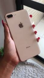 Título do anúncio: iPhone 8 Plus 64GB gold ( vitrine)