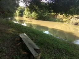 Chácara em quitandinha, 30 mts do rio da várzea , 2 lts de terra