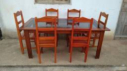 Título do anúncio: Mesa de Madeira Com Vidro de 6 Cadeira Super Conservada
