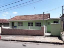 Vende-se em Paraisópolis-MG - 170 mil (aceito carro como parte no pagamento )