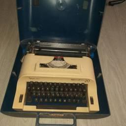 Máquina de escrever para colecionador