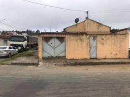 Excelente Oportunidade de Casa,  250 m2, 3 casas, Garagem, Averbada para qualquer banco