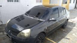Vendo Clio sedan 2004 leia o anúncio