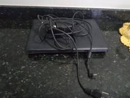 Vendo peças desse notebook, tem carregador por apenas 100 reais