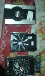 três placas de vídeo