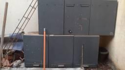 Título do anúncio: Vende se porta de madeira e armário de ferro