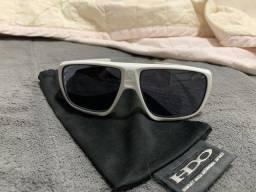 Óculos da Oakley modelo DISPATCH