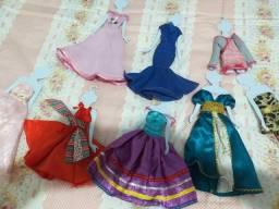 Vestidos de boneca Barbie