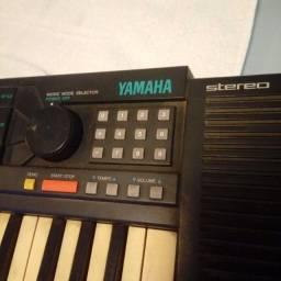 Título do anúncio: Teclado Yamaha década de 90