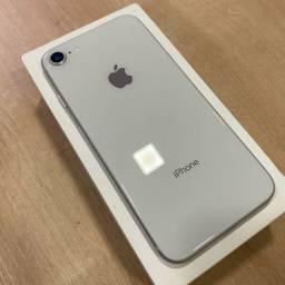 Loja física. IPhone 8 64Gb prata, muito novo, bateria 85%