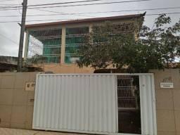 Casa duplex com 03 quartos em Mangabeira