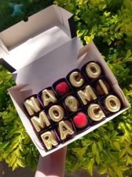 Título do anúncio: Caixa de chocolates presenteavel com pedido de namoro