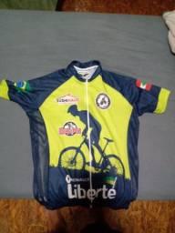 Camisa de ciclismo com zíper e bolsos