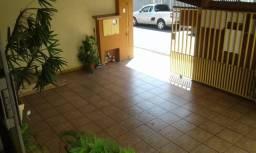 Casa Térrea, 3 Dormitórios e Área Gourmet - Res. Sítio Santo Antônio - Taubaté/SP