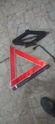 Triangulo e macaco-e chave de roda