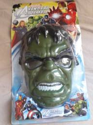 Título do anúncio: Máscara Hulk e carrinho controle remoto