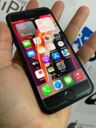 Título do anúncio: iPhone SE 2020 64gb Semi novo intacto completao Troco ou vendo em 12x