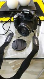 Camera Digital FinePix S4000