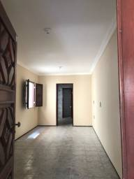 CD 040, Parangaba, casa duplex com 03 suítes, 04 Banheiros, 02 vagas