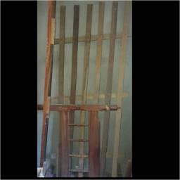 Título do anúncio: vende-se cama madeira solteiro