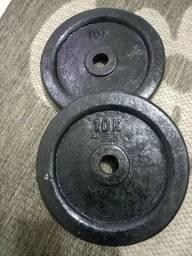 Par de anilhas de 10 kilos cada total 20 kilos (160 reais,)