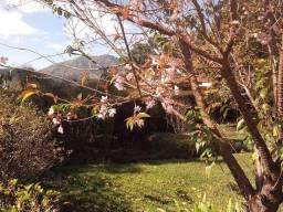 Título do anúncio: Casa com 3 dormitórios, 187 m², R$ 900.000 - Iúcas- Teresópolis/RJ.
