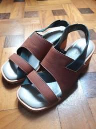 Sandália da Outer (tamanho 35)