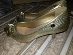 Sapatos variados